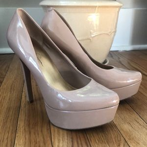 Taupe Jessica Simpson patent faux leather heels